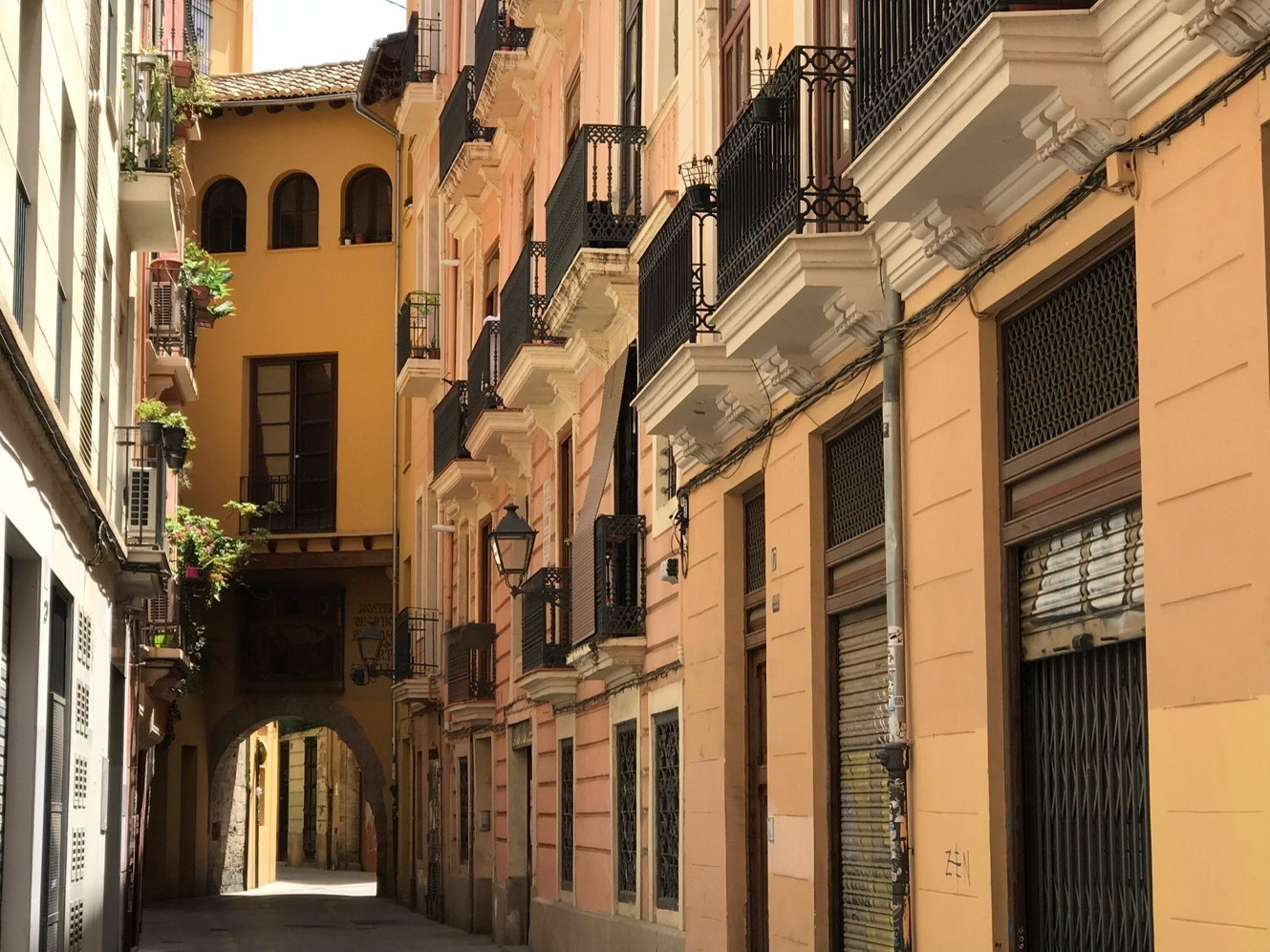 "alt=""best-streets-in-barcelona-to-invest-with-a buyer-agent"""