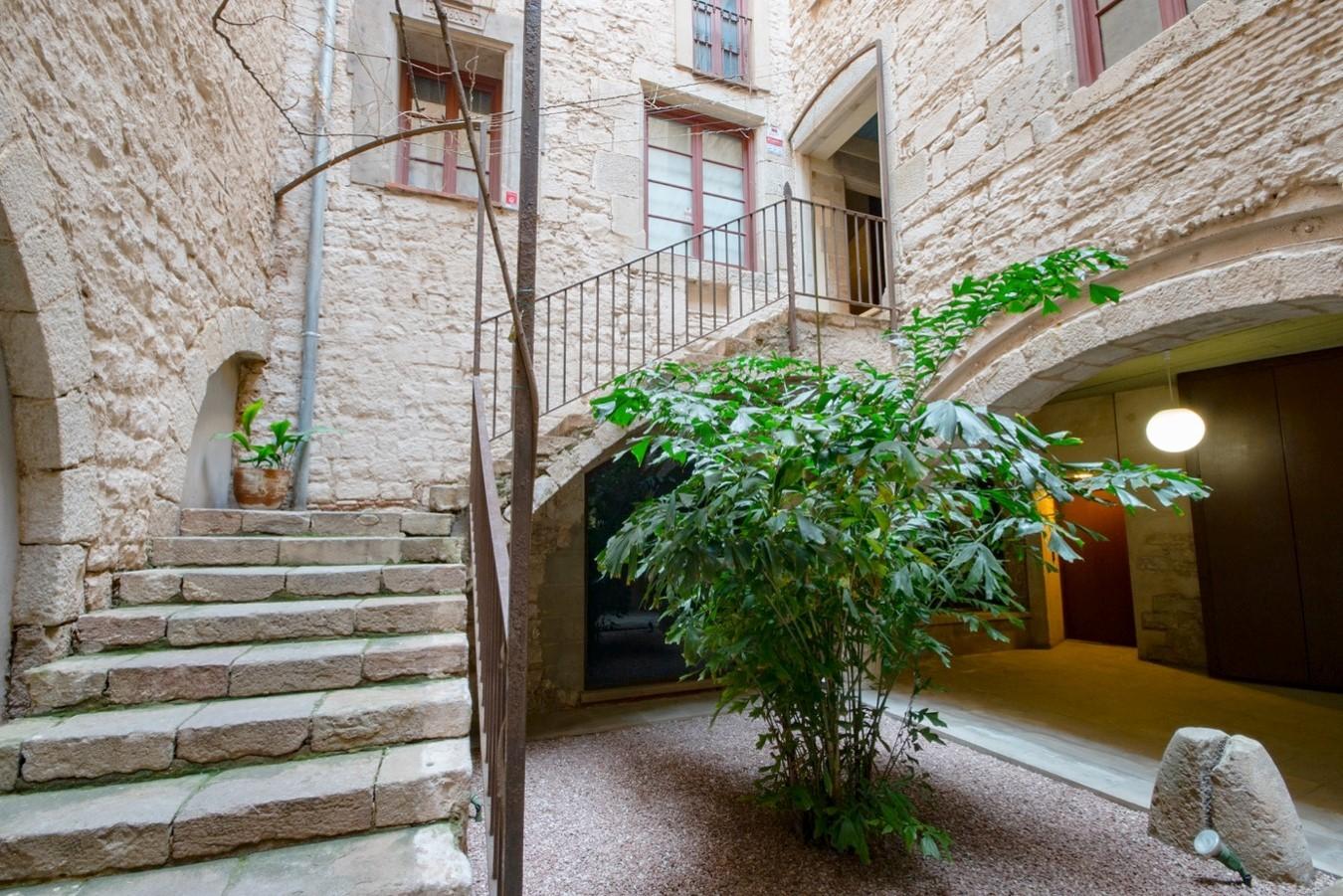 """alt=""""beautiful-properties-to-buy-in-Barcelona"""""""