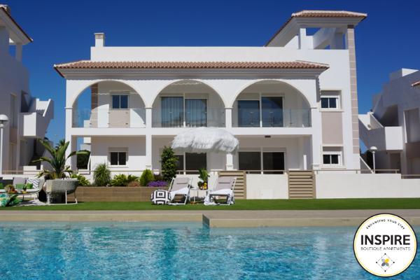 vastgoed spanje corona villa costa zwembad